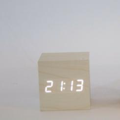 Reloj madera blanca luz led