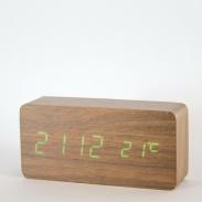 Reloj rectangular madera oscura